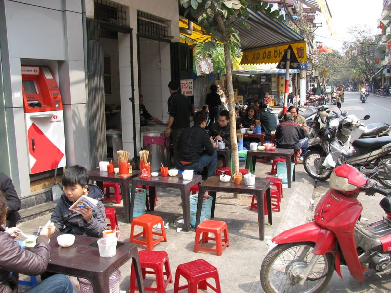 Aller au restaurant au Vietnam